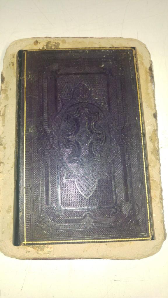 Libro antiguo encuadernacion